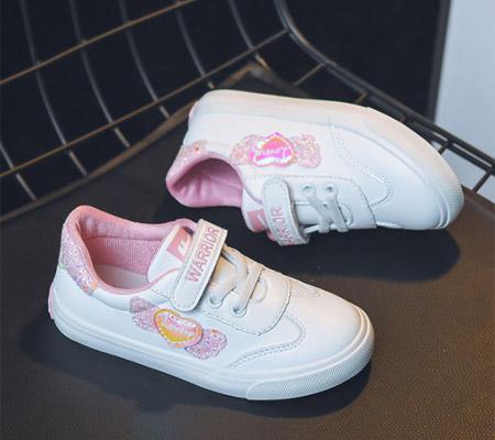 清新时尚的休闲鞋 女孩子的专属搭配