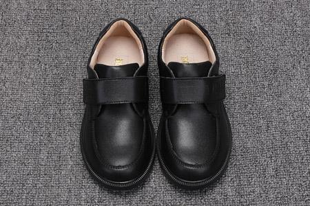 帅气的英伦皮鞋 演绎时尚的绅士风度