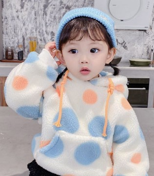 软萌的秋季服饰 提升宝宝的幸福感