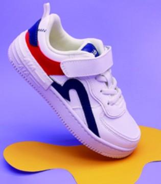 简约清新的造型 不如从鞋开始打造