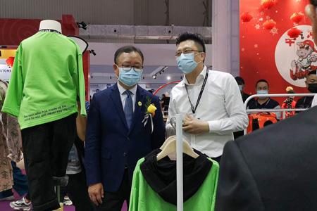 第25届虎门服交会盛大开幕 国潮品牌巴迪小虎广受好评