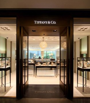 """中国市场成""""助攻"""" Tiffany第三季度业绩跌幅收窄至1%"""