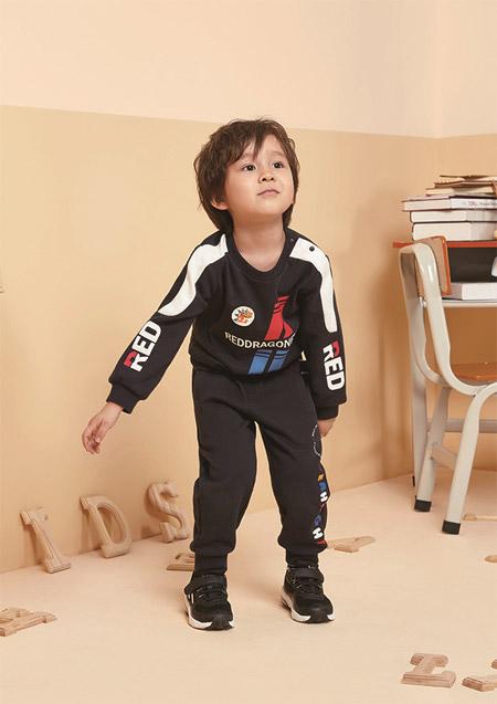 ���|的面料 �t蜻蜓�o孩子提供健康舒�m的穿著�w�