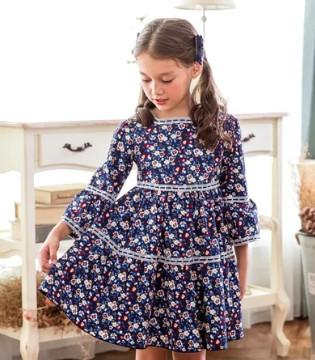换上这条裙子 一起漫步格拉纳达吧