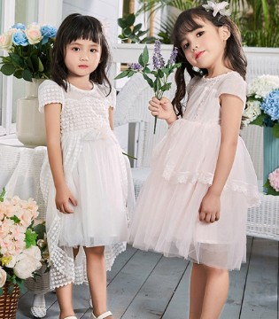 轻灵和梦幻的纱裙 女孩子们拒绝不了的单品