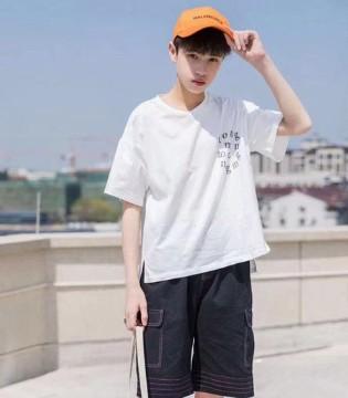 平平无奇的T恤 在夏季也有大魅力!