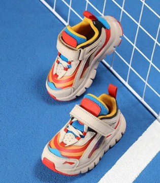 安全舒适的运动鞋 助力孩子健康成长