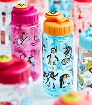 宝宝逐渐成长 这两款水杯能提高喝水技能