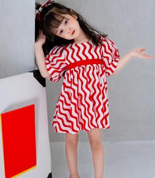 田果果春夏新品 穿上裙子去观赏烂漫的花朵