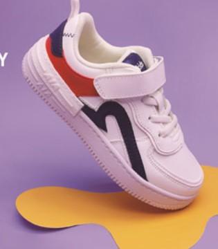 时尚百搭的小白鞋 孩子穿着安心 家长们放心