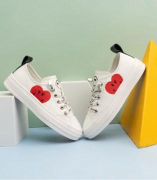 每个孩子都应该要有双时尚创意的SmileyWorld童鞋