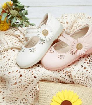 百丽童鞋 呵护足部健康发育 夏日必备