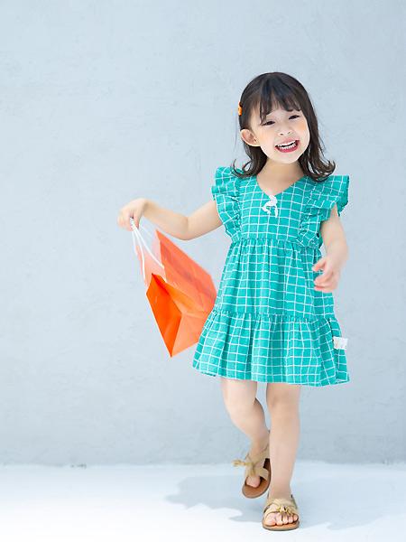 田果果时尚童装 女孩的穿搭小心思 尽在不言中