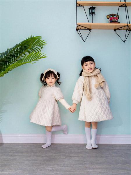 熊卡唯妮时尚新品 深秋 是刚好的温暖
