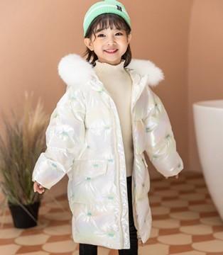 西瓜王子时尚冬装 烂漫优雅 同梅花般富有节气