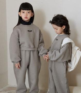 拉酷儿时尚童装 以自信姿态走出人生直线
