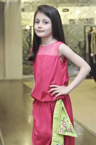 Maria.B童装品牌中大童服装外装