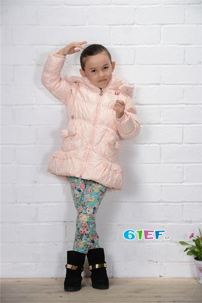 爱唯娃童装品牌2015年冬季新品