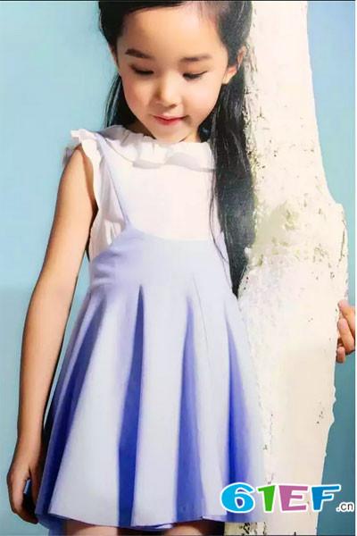童忆芯童装品牌            款式简单大方