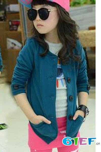 小同桌童装品牌    时尚环保概念