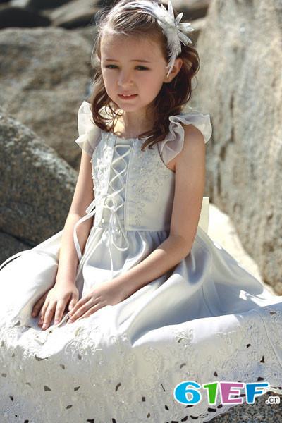 芭乐兔童装品牌      共创美好未来