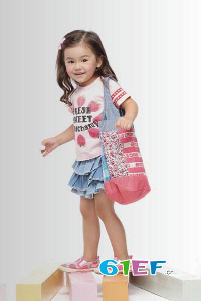 祺村普童装品牌 提供形象设计支持和开业策划指导