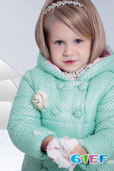 童忆芯童装品牌    款式简单