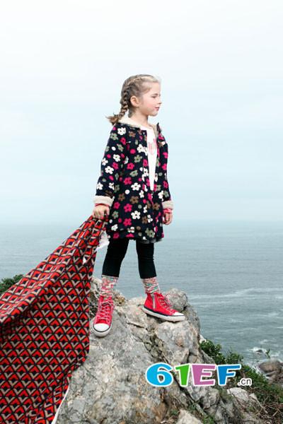 KICCOLY童装品牌 户外时尚风格