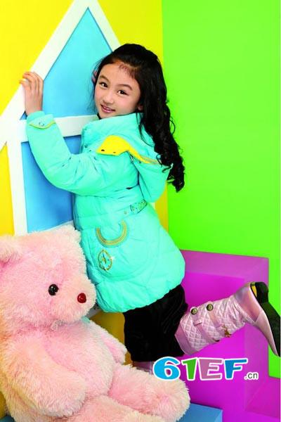 红熊谷童装品牌  多元化的促销方案,协助促销