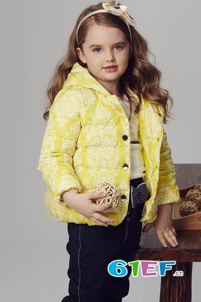 小同桌童装品牌        善尽社会责任