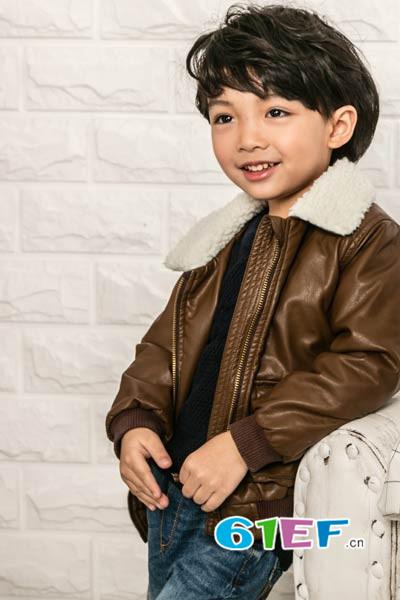 小同桌童装品牌            一流的服务