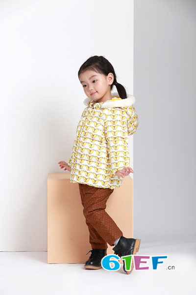 阳光鼠婴幼儿品牌 配色含蓄而层次丰富