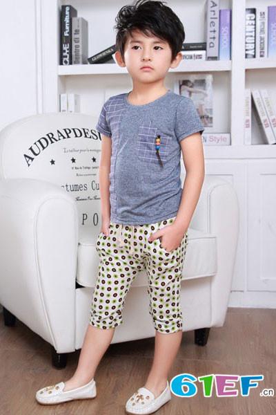 小神童童装品牌 在代理区域内发展加盟店