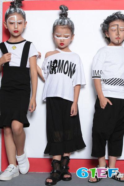 小猪芭那童装品牌,系列产品已深受广大消费者的青睐