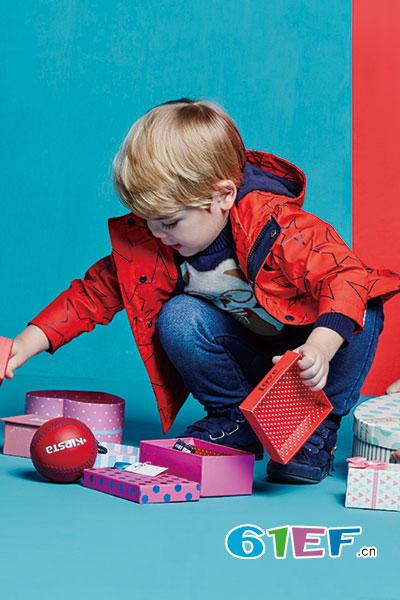 水孩儿童装品牌,打造全新的秋冬产品形象店