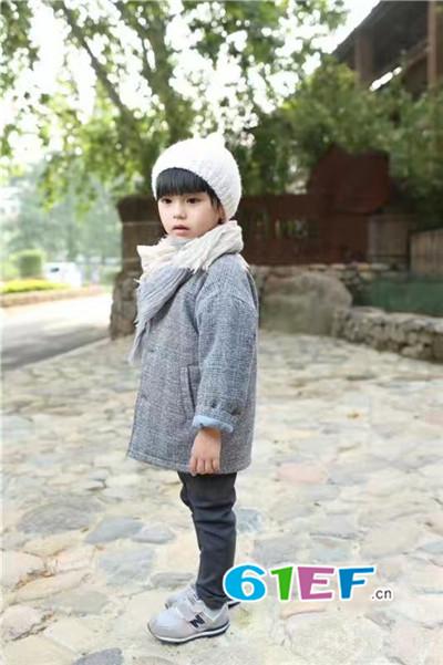 广州童领服饰童装品牌2017年秋季潮童格子棉衣外套