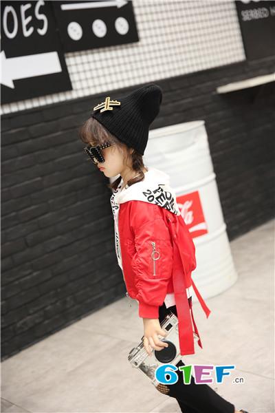 加菲A梦童装品牌 提供免费的店铺设计 首批100%调换货