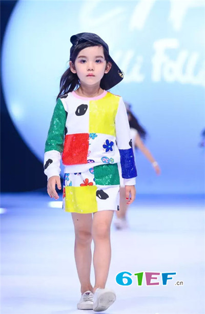 Folli Follie童装品牌2017年秋季时尚拼接卫衣