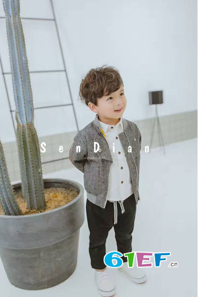 浪漫小猪童装品牌2017年秋季韩版棒球服外套