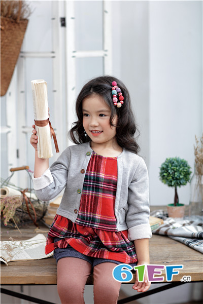 KICCOLY童装品牌2017年秋冬假两件拼接格子连衣裙