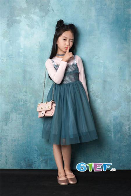 CreeKree童装品牌2017年秋冬淑女吊带雪纺裙