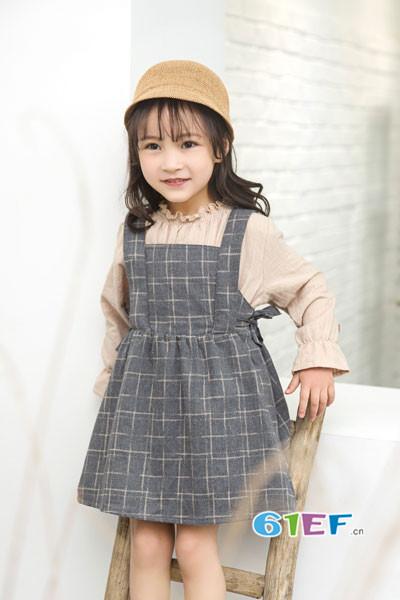 琦瑞德泽童装品牌2017年秋冬公主吊带连衣裙