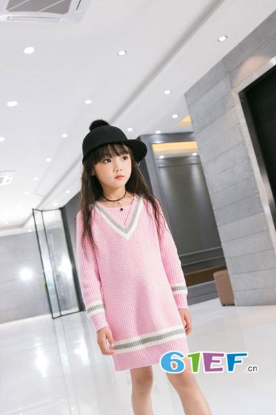 Carlfit(卡尔菲特)童装品牌2017年秋冬韩版中长款针织连衣裙
