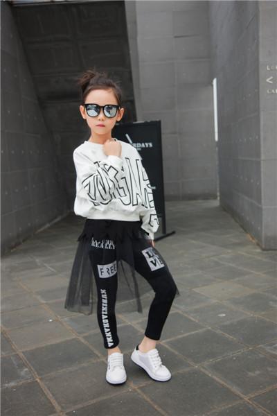 酷比小捍马童装品牌时尚、潮流 贴近消费者需求