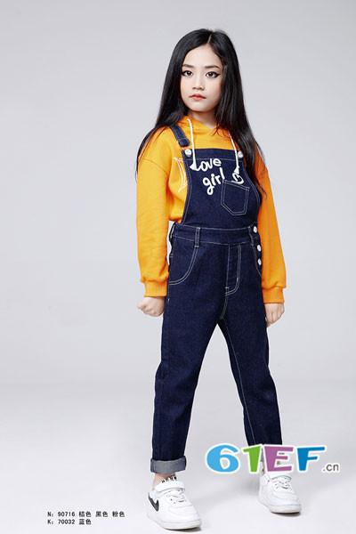 贝布熊BeiBuXiong童装品牌2017年秋冬字母背带牛仔裤
