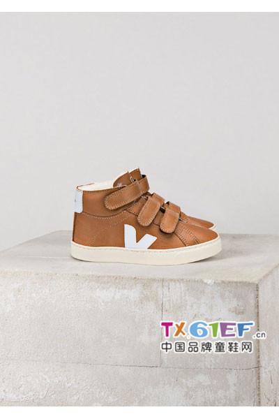 秋冬时尚百搭童鞋  让宝贝舒适温暖过冬