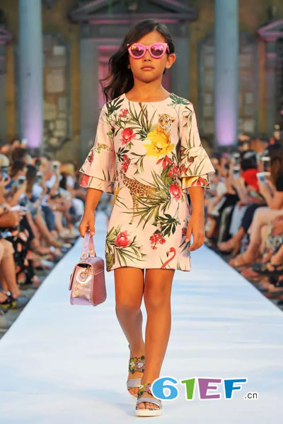 Monnalisa蒙娜丽莎童装品牌2018年春夏时尚优雅花纹雪纺裙