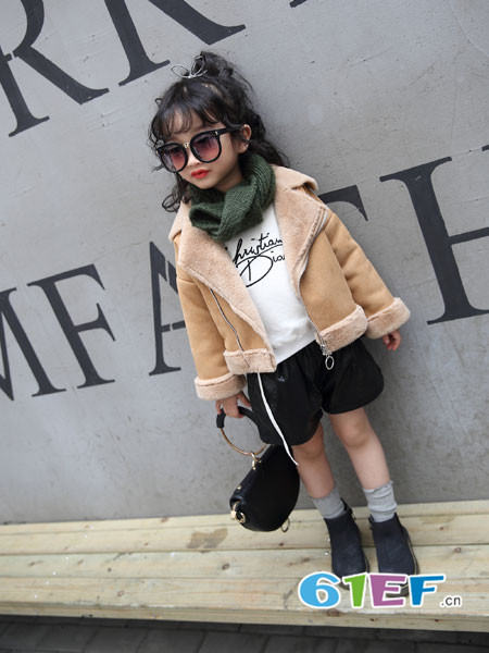加菲A梦童装品牌招加盟代理商 免收加盟费
