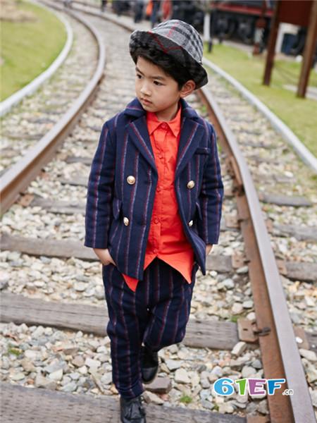 小资范童装品牌加盟支持  提供补货的绝对自主权