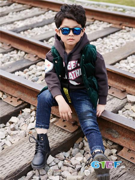 小资范童装品牌特色 产品设计贴合儿童身型及生活习惯